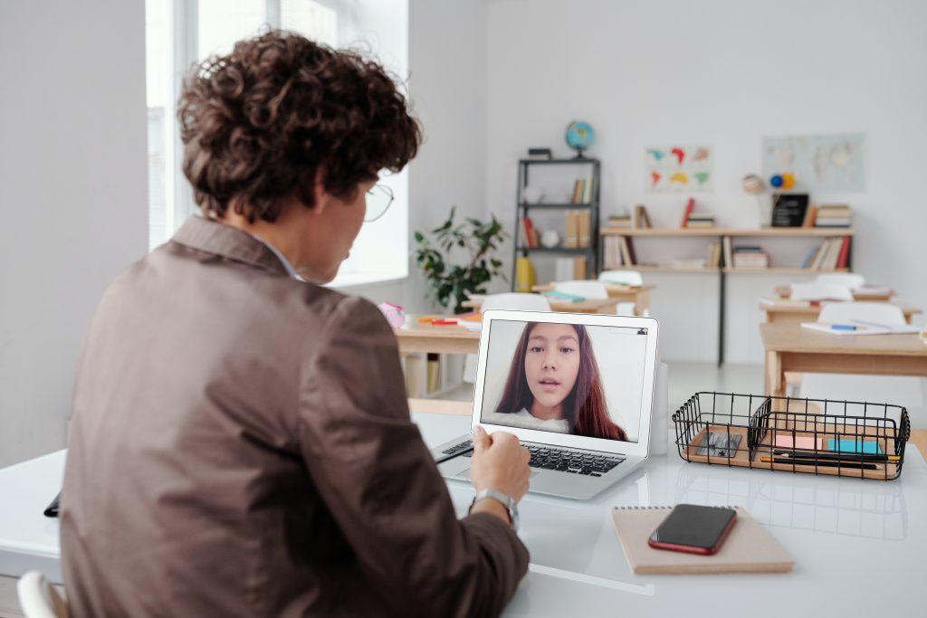 Efectividad de las técnicas gupales en el aprendizaje en linea